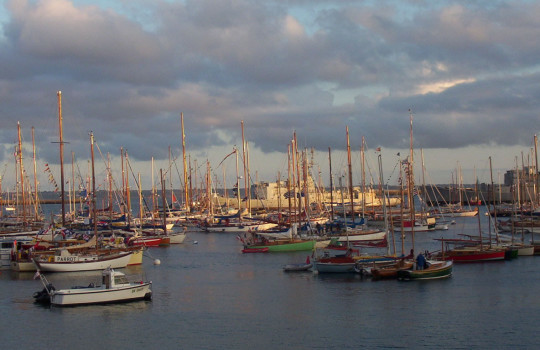 Sailing boats during Brest 2004