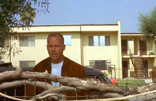 Butch escapes near Kendall Alley after shooting Vincent, Pulp Fiction Pulp Fiction filming locations LegendaryTrips