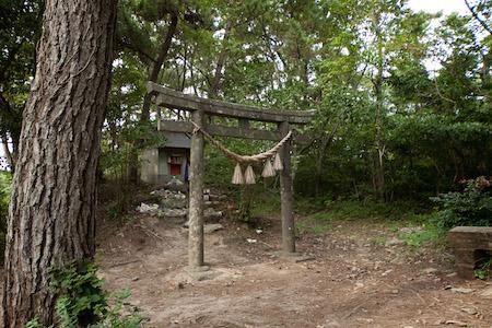 Cat Shrine, Neko jinja, Tashirojima, Japan