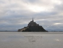 Mont Saint-Michel winter escape: walk at low tide