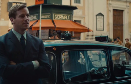Illya in front of the Grand Hotel Plaza, via Corso, Rome, The Man from UNCLE (2015) film locations
