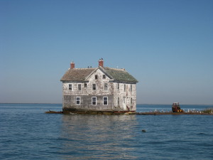 Holland Island is a rapidly eroding island in the Chesapeake Bay, in Dorchester County, Maryland (USA).