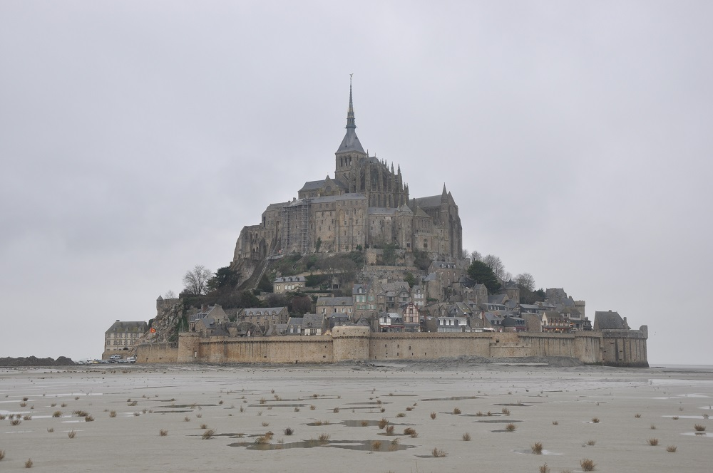 how to drive to mont st michel from paris