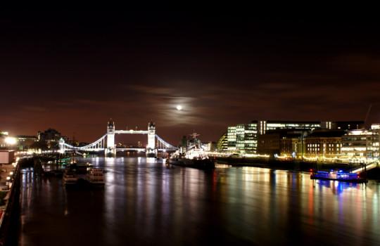 Thame at night, London