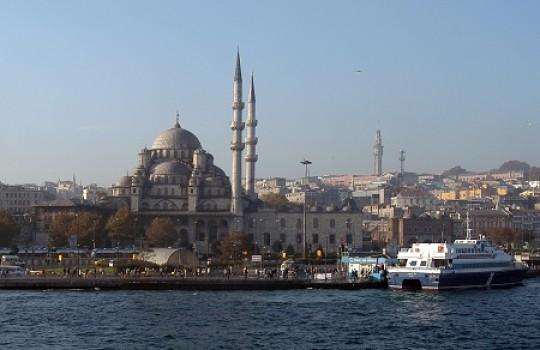 Yeni Mosque, Istanbul, Turkey | Skyfall filming locations LegendaryTrips
